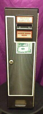 Coffee Inns Cm-222 Vending Dollar Bill Coin Machine Changer.