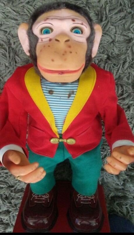 Vintage Hy-que Monkey. Battery operated.