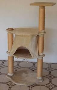 cat cubby scratch post Kalamunda Kalamunda Area Preview