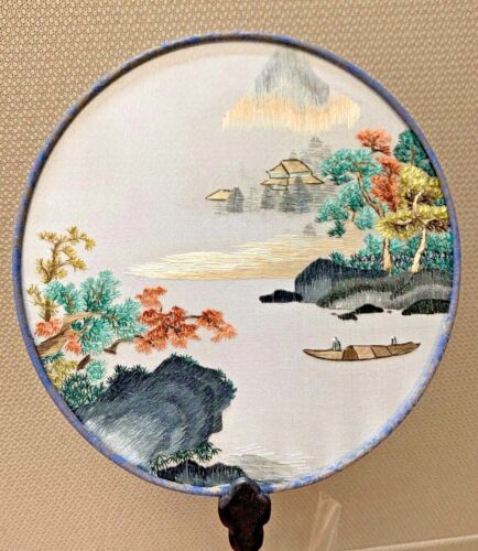 Suzhou Embroidery 100% Mulberry Silk Round Fan in Landscape series Double Sided