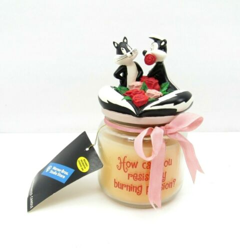 Rare Pepe Le Pew and Penelope Rose Scented Candle Burning Passion Flower 2000