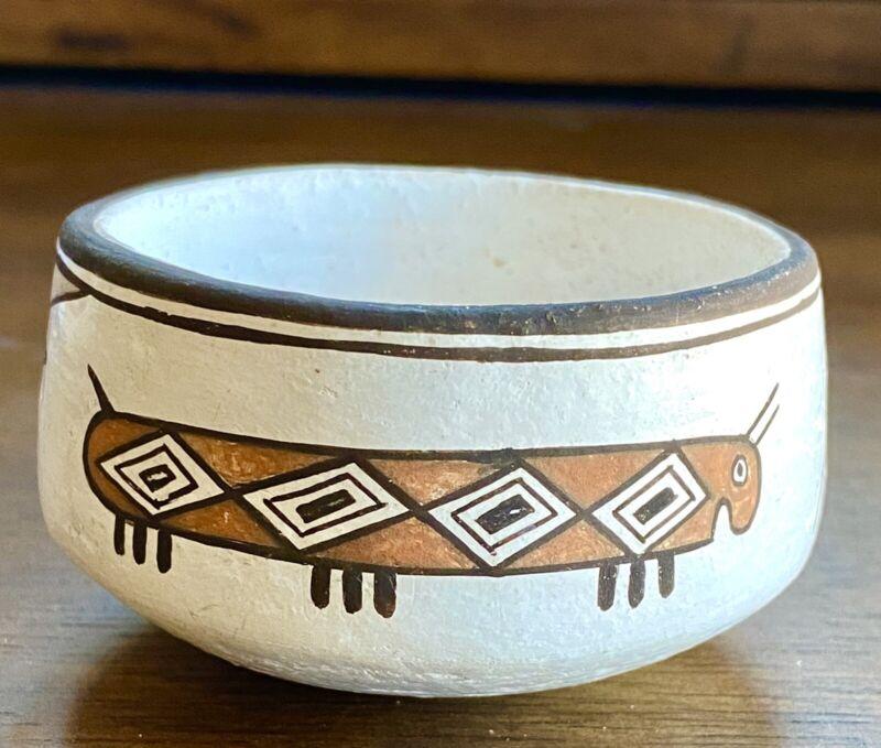 Emma Lewis Caterpillar Pot (Acoma)