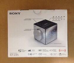 Sony ICF-C1PJ Time Projection Alarm Clock FM/AM Radio --USB --- Black