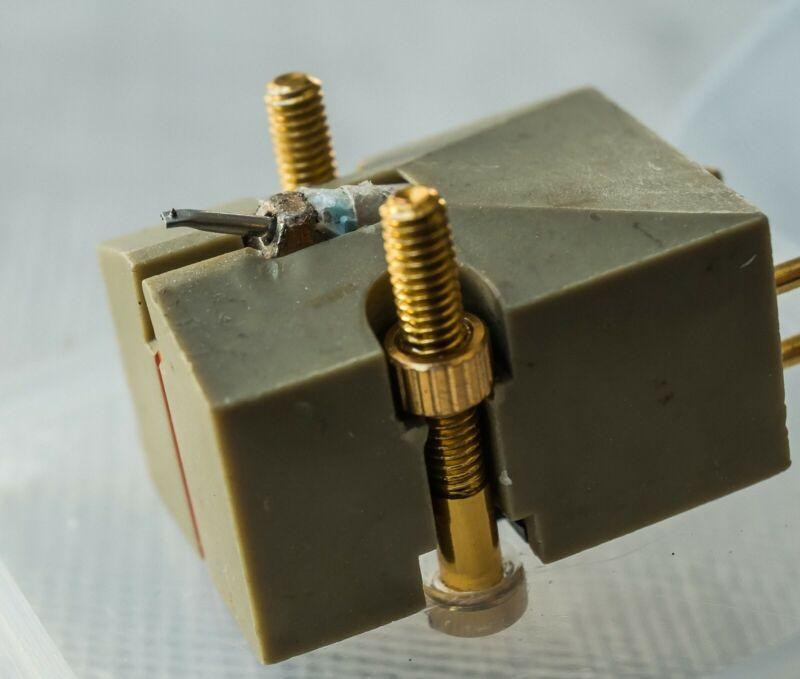 Denon 103D Moving Coil Phono Cartridge