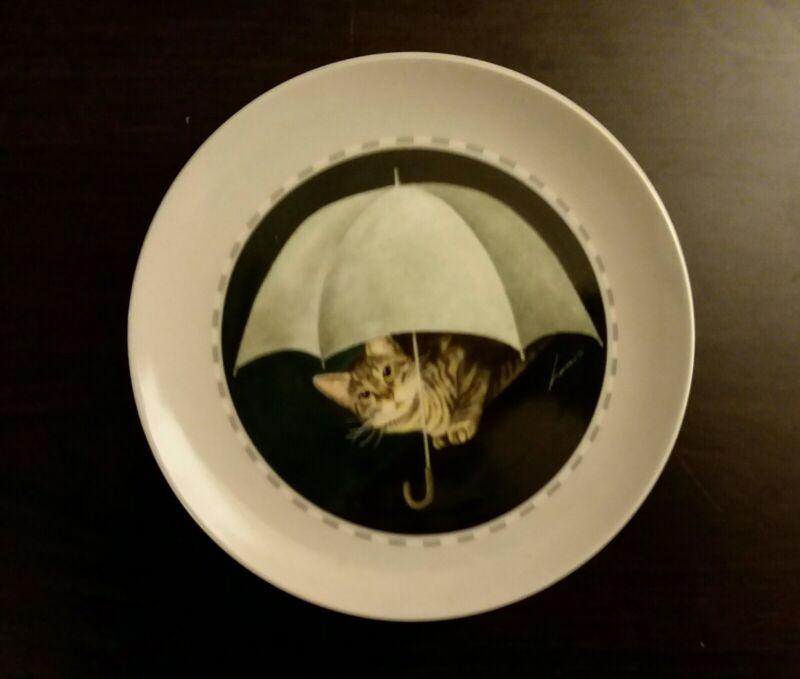 Vintage Vandor Cat Under Umbrella Plate