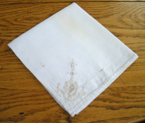 Vintage Beige Small Linen Table Scarf w/ Cut-out Design ~