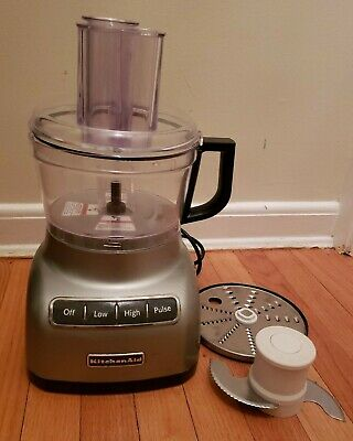 KITCHEN AID FOOD PROCESSOR / CHOPPER- MODEL KFP0711CU0 SILVER