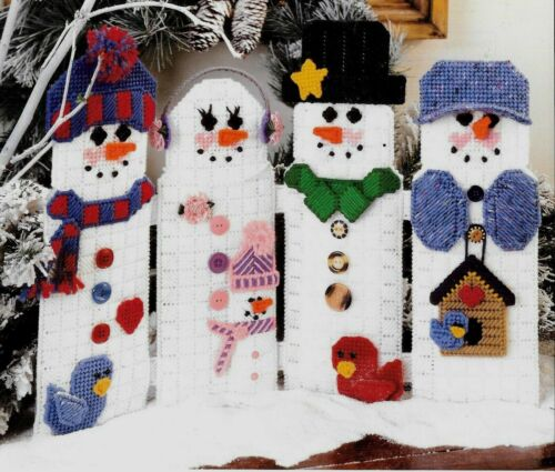 CHRISTMAS SNOW FAMILY LINEUP //  PLASTIC CANVAS PATTERNS