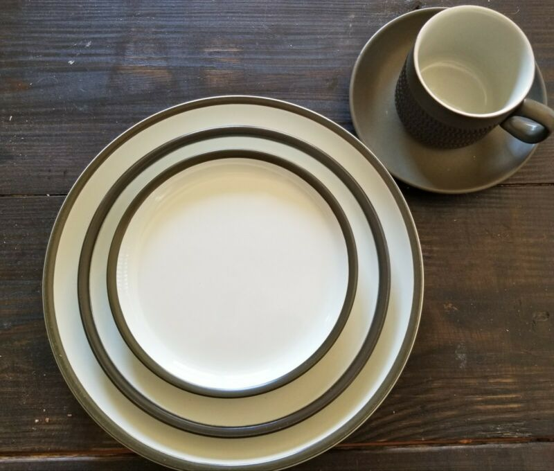 Denby England Camelot Chevron Dark Green 36 Pc Plates and Tea/Saucer Set