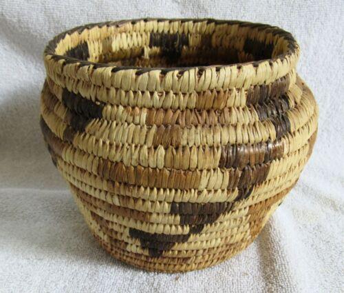 Papago Indian Hand Coiled Woven Basket Lightning Bolts Design Yucca Bear Grass