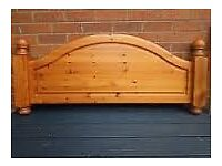 KING SIZE ANTIQUE FINISH PINE BED FRAME WITH FOOTBOARD
