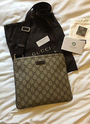 Gucci Messenger Bag 201538 Small GG Supreme Canvas 100 % Genuine Discontinued