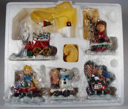 The Danbury Mint:  Peanuts Christmas Train