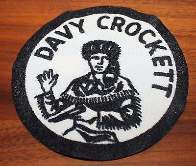 VINTAGE WHITE DAVY CROCKETT IRON ON PATCH