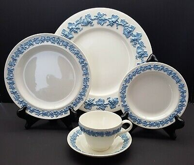 WEDGWOOD  Queensware LAVENDER on CREAM Plain Rim 5 Piece Place Setting 5 Piece Place Setting Rim