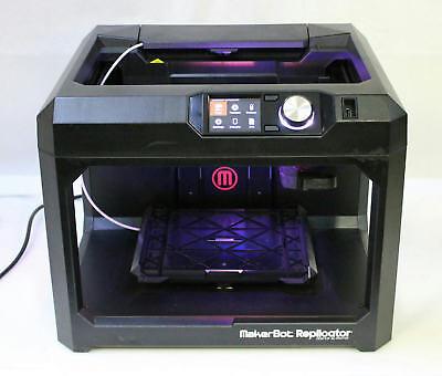 Photo MakerBot Replicator Fifth Gen Desktop 3D Printer without Extruder / Build Plate