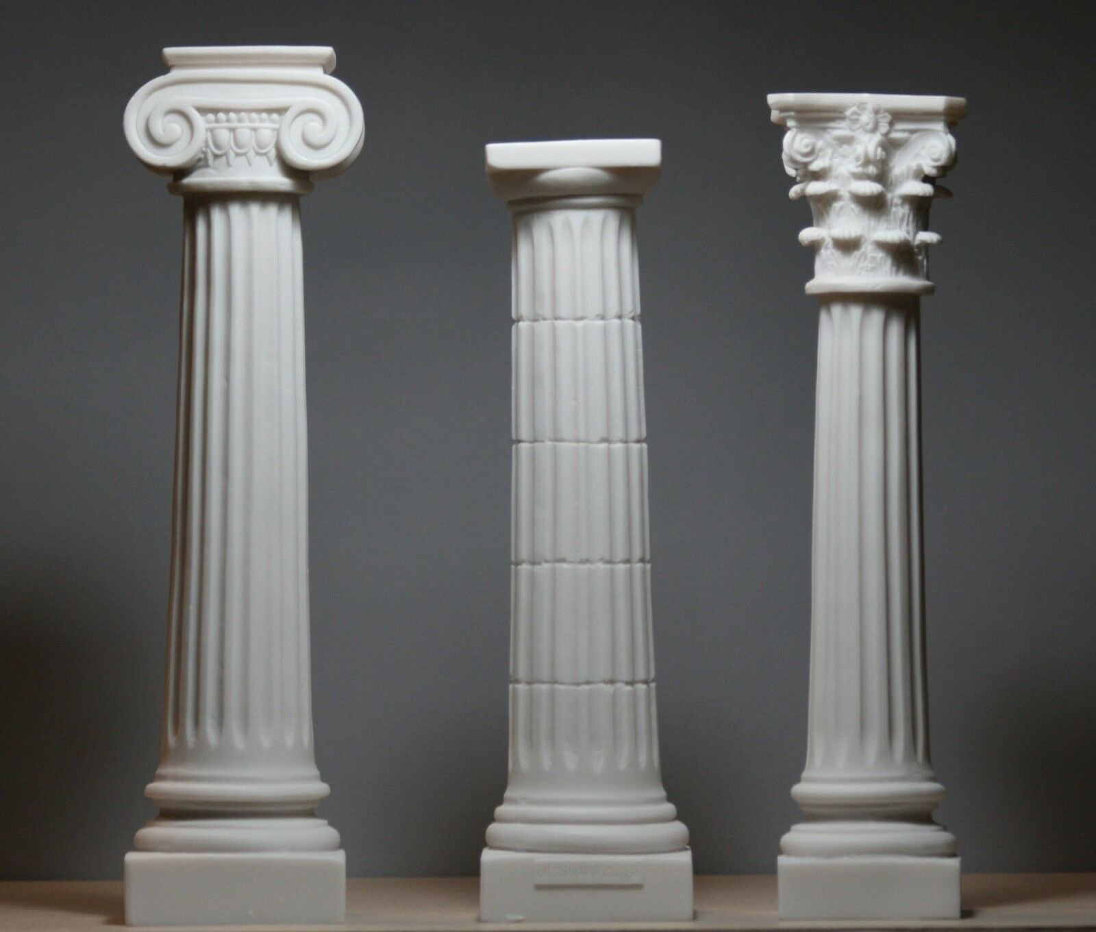 doric ionic corinthian Roman columns -- corinthian on the right find this pin and more on sixth grade by adelheid13 roman columns -from left to right doric, ionic and corinthian studying architecture in the context of a charlotte mason education (includes suggestions for scheduling and method of study).