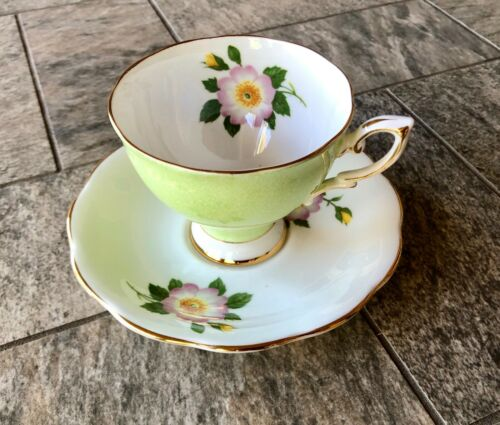 Royal Standard Green Floral English Bone China Teacup & Saucer 2440