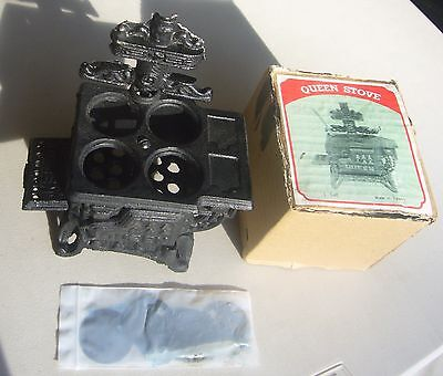 Choice QUEEN Miniature Cast Iron wood burning Stove salesman sample NOS Doll sz