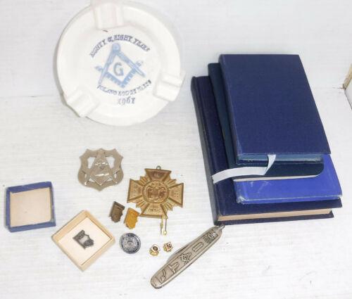 Freemasonry Masonic Pins Badge and Book Lot Officers Manual 1922 - 1958