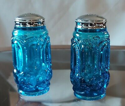 LE SMITH MOON AND STAR COLONIAL BLUE SALT AND PEPPER SHAKERS