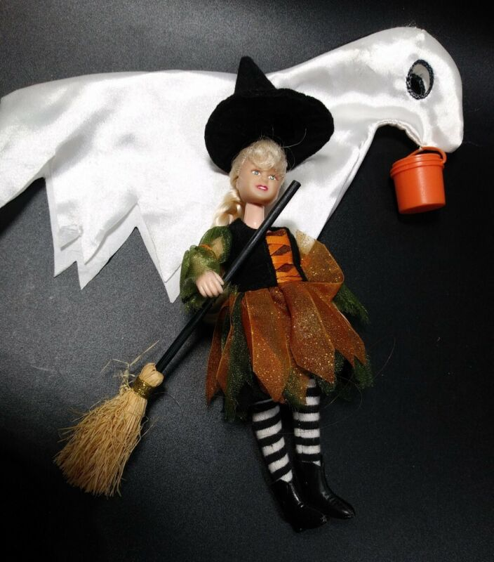 Breyer Halloween Trick Or Treat Playset Pony Ghost costume & Witch Doll no horse