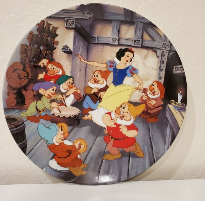 Disneys Snow White and the Seven Dwarfs, Collectors Plate Series, Knowles, dance