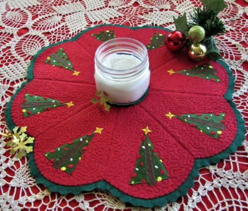 Christmas Penny Rug Candle Mat w/Appliqued Tree in Christmas Colors AL-093