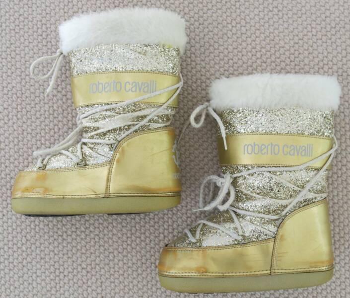 2058f659e9094 GIRLS ROBERTO CAVALLI GOLD GLITTER MOON / APRES / SNOW BOOTS  (35-37) | Snow Sports | Gumtree Australia Ku-ring-gai Area - Turramurra |  1220100686