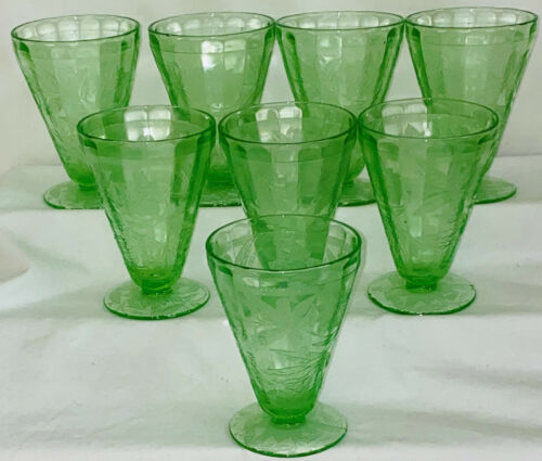 "8 Jeannette FLORAL/POINSETTIA GREEN *4"" FOOTED JUICE TUMBLERS*"