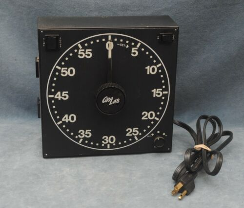 GRALAB MODEL 300 DARKROOM TIMER - TESTED, WORKING FINE, NOT CORRODED