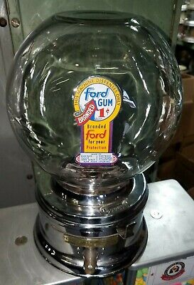 Old 1950s model Ford gumball machine penny small glass globe nice decal  222926