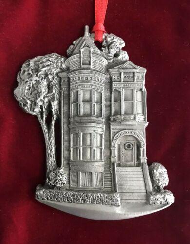 1995 MGIC Limited Edition of 7,000 A Schumann Christmas Pewter Ornament w/Pouch