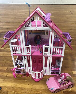 Barbie Malibu Dream House 2010 Mattel w/ Furniture, Accessories, 3 Barbies, Car