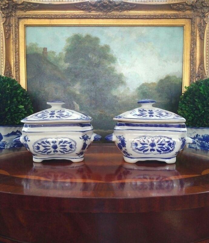 Gorgeous Rare Blue White Porcelain Chinoiserie Ginger Tea Jar Lidded Box Pair