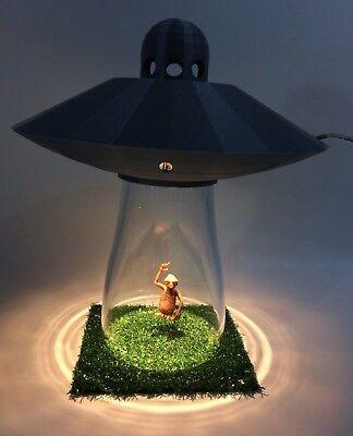 UFO LAMP Alien Abduction Extraterrestrial Silver Space Ship Saucer Desk Light , gebruikt tweedehands  verschepen naar Netherlands