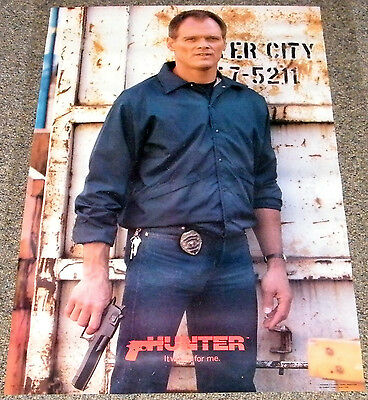 HUNTER 1985 ORIGINAL 23x35 N.M. PINUP POSTER! FRED DRYER ACTION TV SERIES!