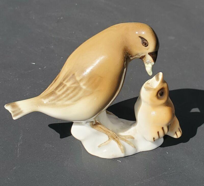 VTG HUTSCHENREUTHER Karl Tutter Design MOTHER BIRD FEEDING BABY CHICK Figurine