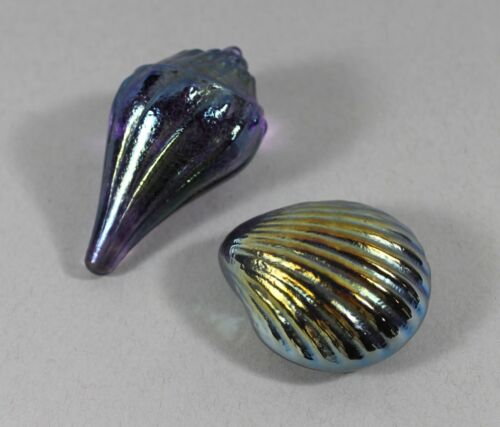 Lot of two Robert Held glass paperweight shell and clam