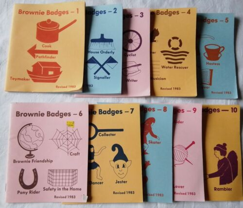 GIRL GUIDES.  COMPLETE SET OF 10 BROWNIE BADGES BOOKLETS. 1983