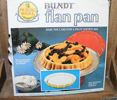 Nordic Ware Bundt Flan Cake Pan Non Stick Shortcake Harvest Yellow White