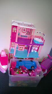 Barbie Set - Little Girls' Dream!! - EUC Carlton Sorell Area Preview
