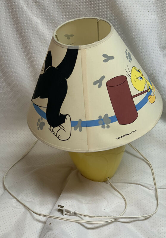 VTG 1997 Warner Bros. Sylvester & Tweety Bird Lamp