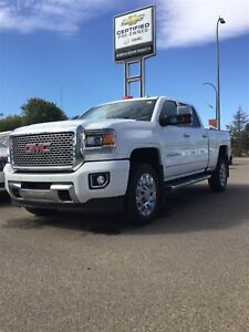 2016 GMC SIERRA 2500HD Denali *Roof* *Cooled Seats* Low KMs*