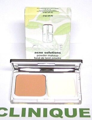 CLINIQUE Acne Solutions Compact Powder Makeup in