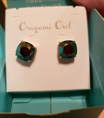 Origami Owl Iridescent Green Clara Stud Earrings new in box Green Stud Earring Box
