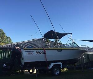Seafarer 18ft 06 mercury 90hp low hrs . Outriggers great offshore boat Merrimac Gold Coast City Preview