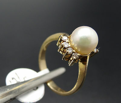 14k Gold 7.5mm Cultured Pearl & Eight Diamond Ring