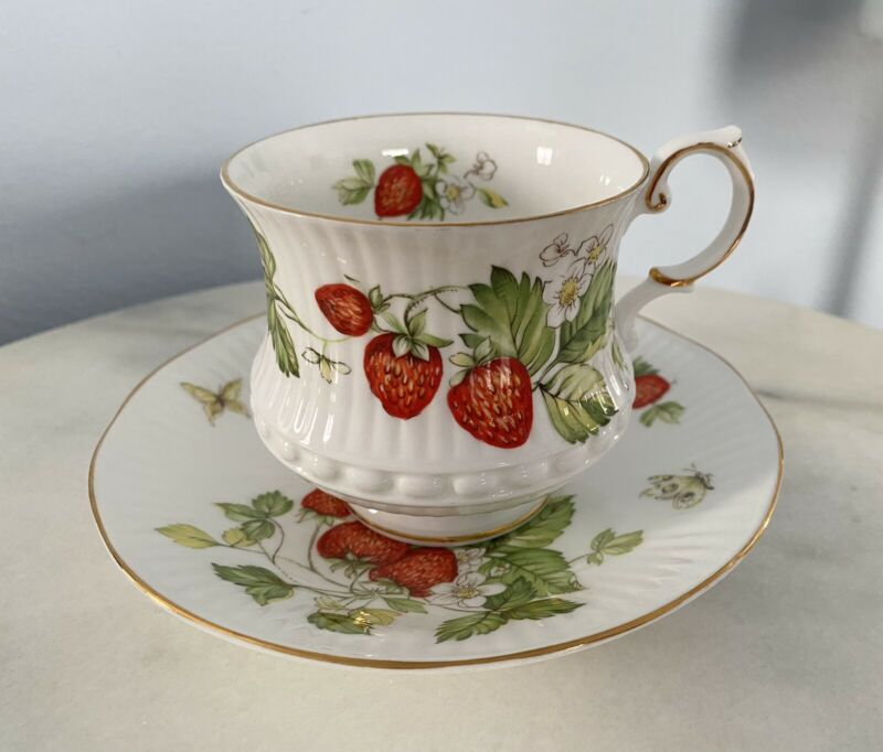 """QUEEN'S ROSINA """"VIRGINIA STRAWBERRY"""" RARE FOOTED CUP & SAUCER FINE ENGLISH CHINA"""