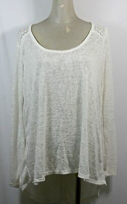 - Knit woven long sleeve top, tulip back, white color, size 1XL,2XL,3XL